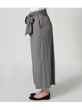travel line tuck wide pant 詳細画像