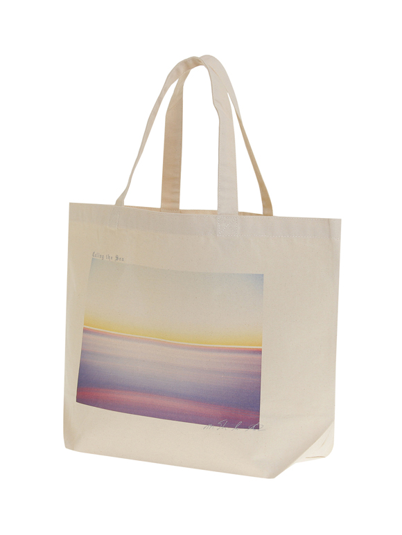 Graphic tee 1 tote bag